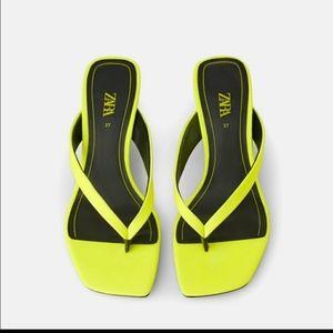 Zara ISO Neon green thong kitten heels